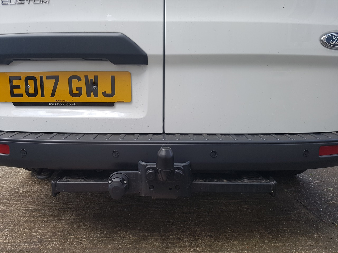 Ford Transit Custom rear color coded parking sensors