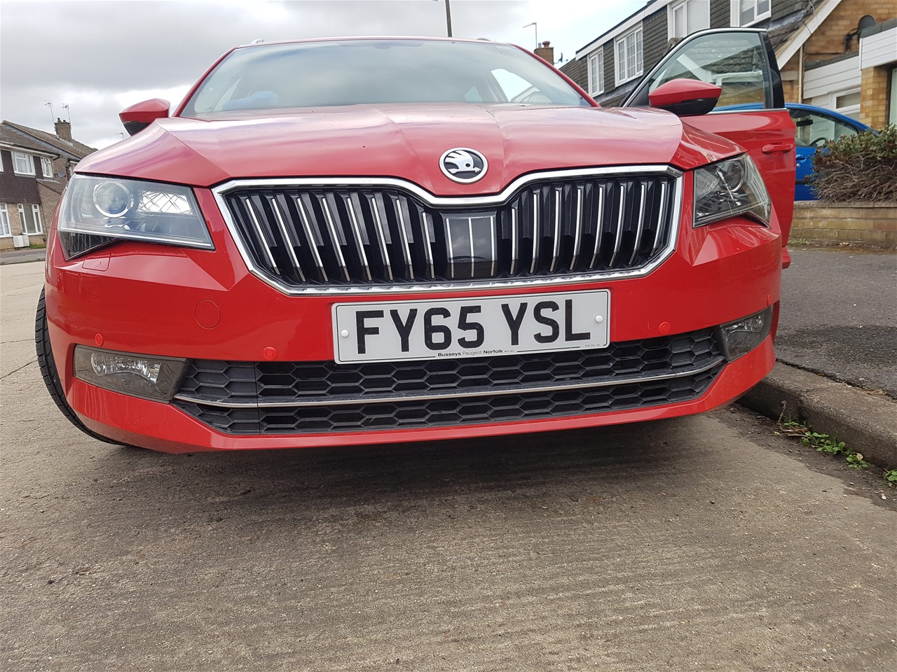Skoda Octavia front colour coded parking sensors