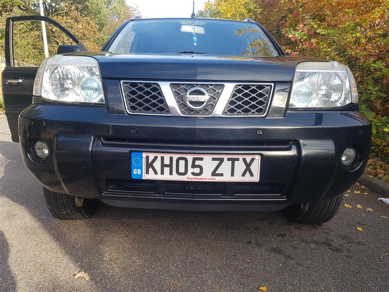 Nissan X-Trail front parking sensors